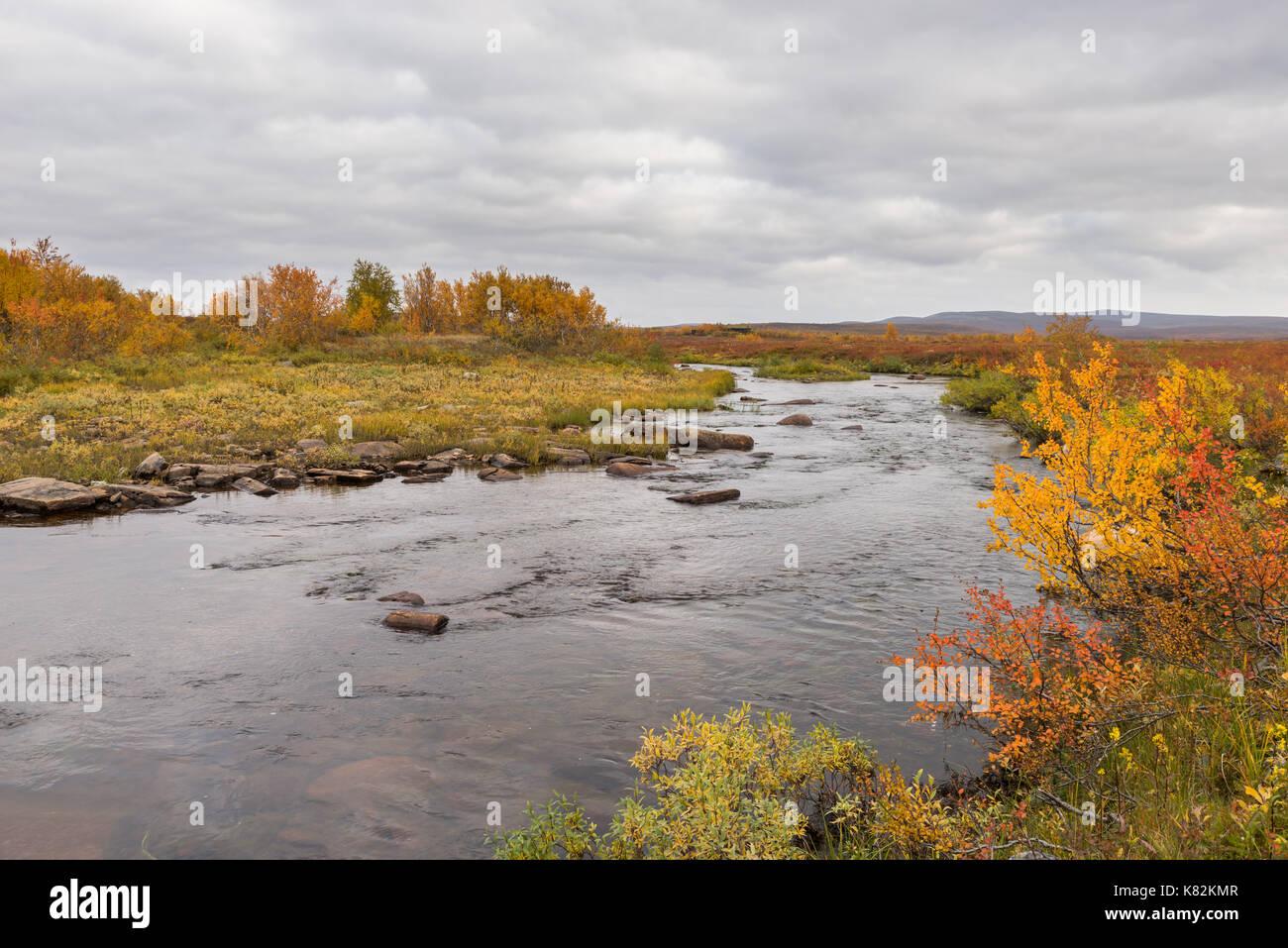 autumn-at-the-mountain-in-finnmark-norwa
