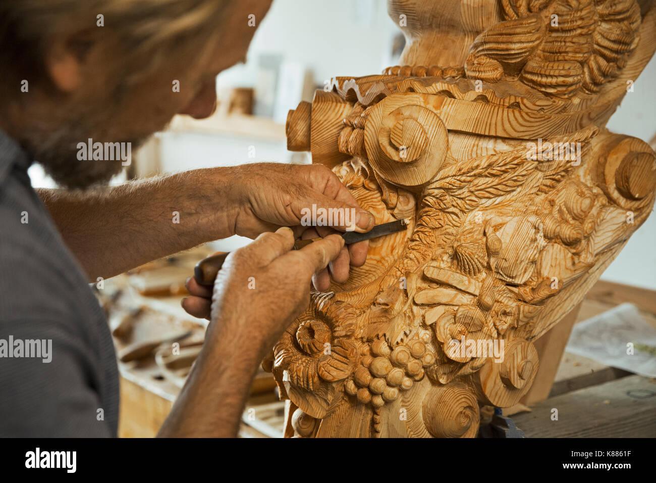 Ships Figurehead Carving Stock Photos & Ships Figurehead Carving Stock Images - Alamy