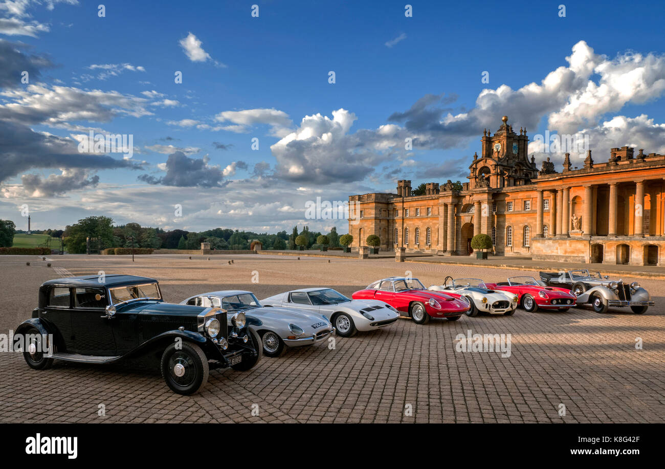 Salon Prive Cubb Insurance Concours D'Elegance 2017 Blenheim Palace UK 31/8/17 Class winners in the Palace courtyard. - Stock Image