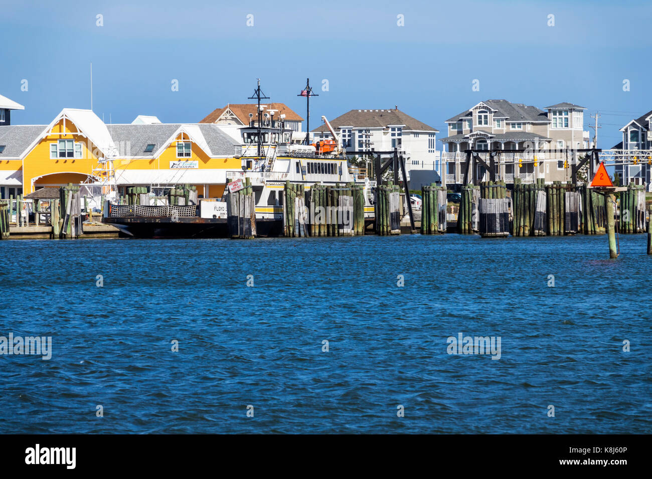 Outer Banks North Carolina NC Pamlico Sound Hatteras Island waterfront mansions houses - Stock Image