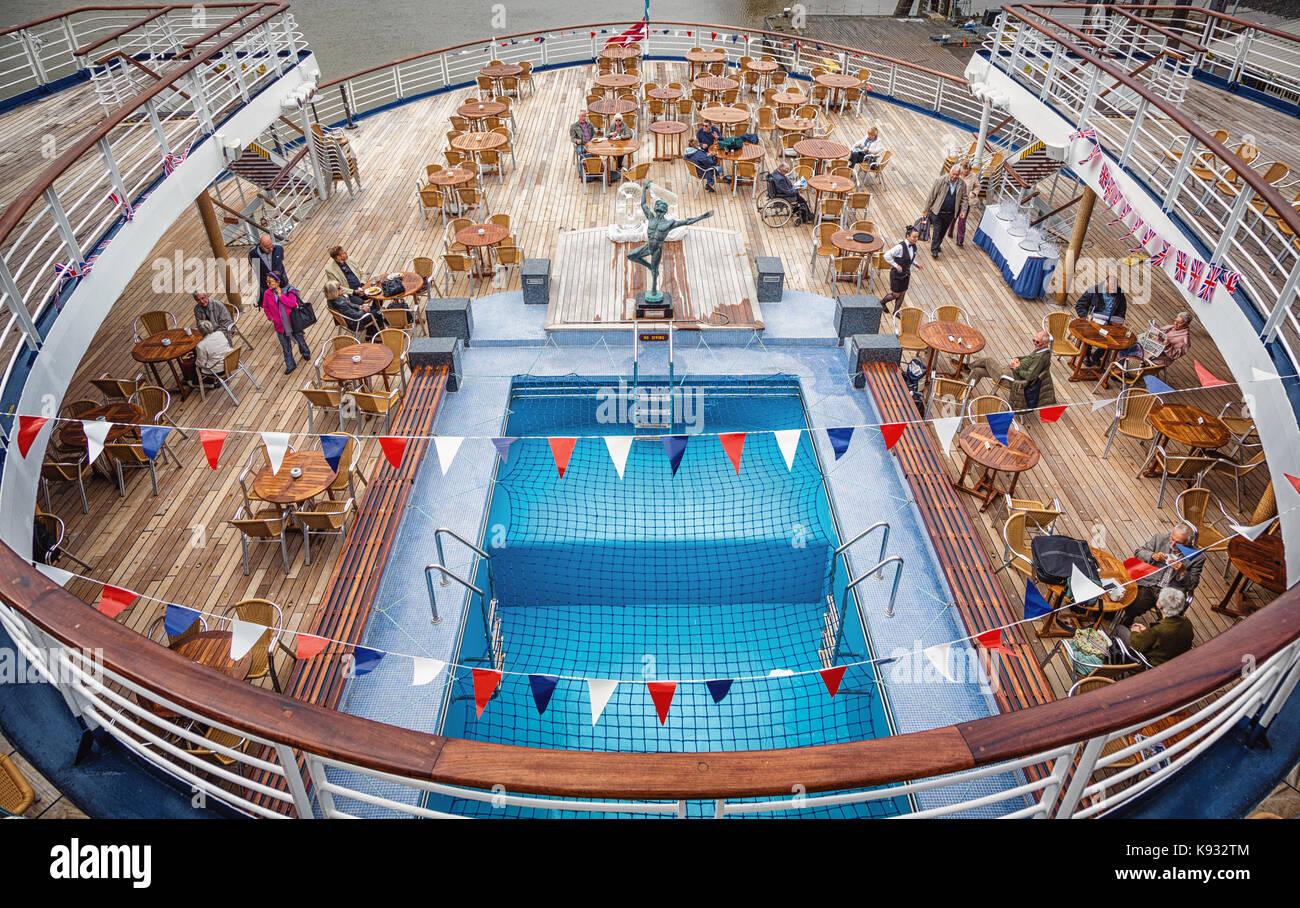 marco polo cruise ship stock photos marco polo cruise. Black Bedroom Furniture Sets. Home Design Ideas