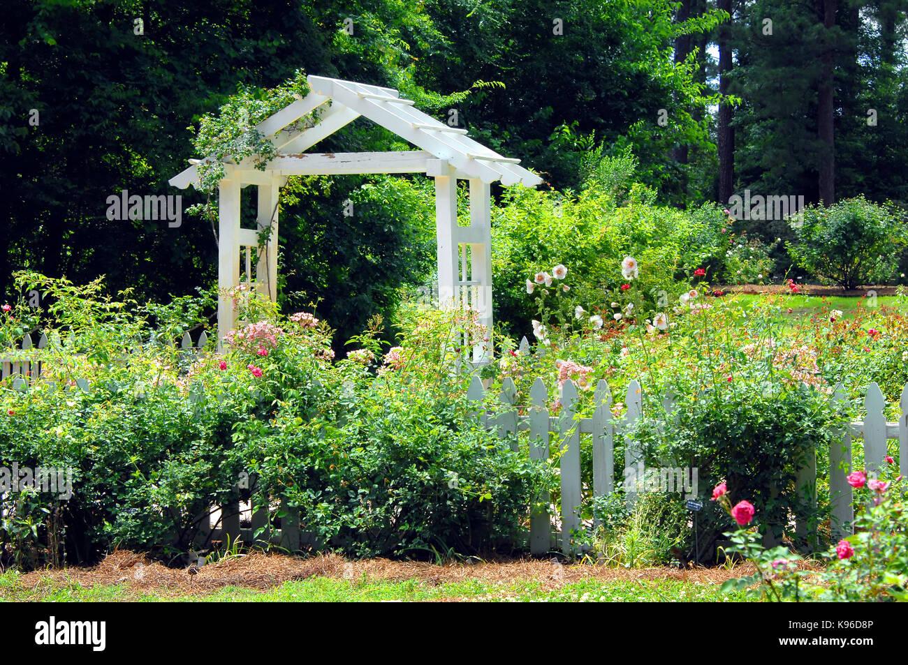 Shreveport stock photos shreveport stock images alamy for The gardens of the american rose center