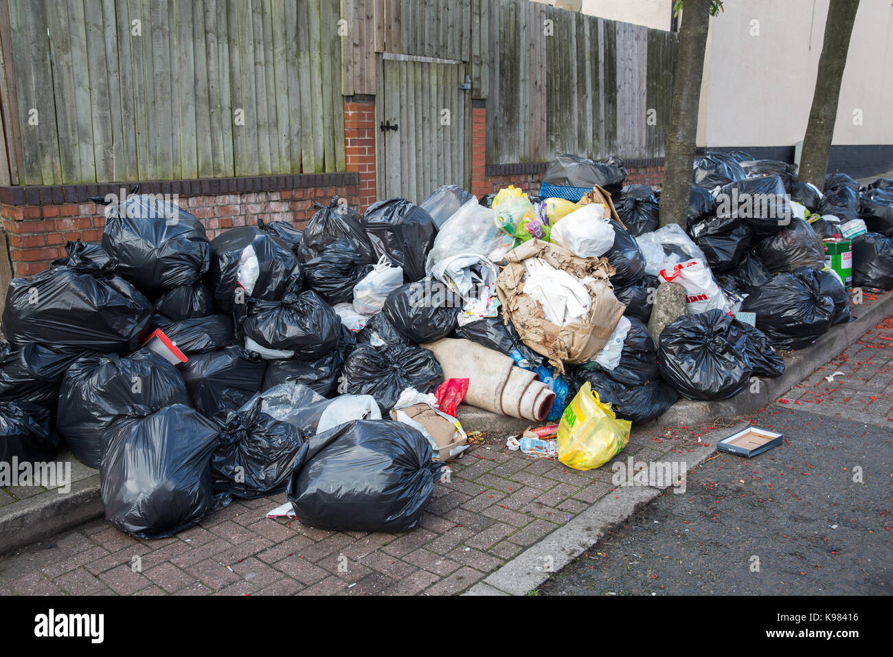 Council bin stock photos council bin stock images alamy - Rd rubbish bin ...