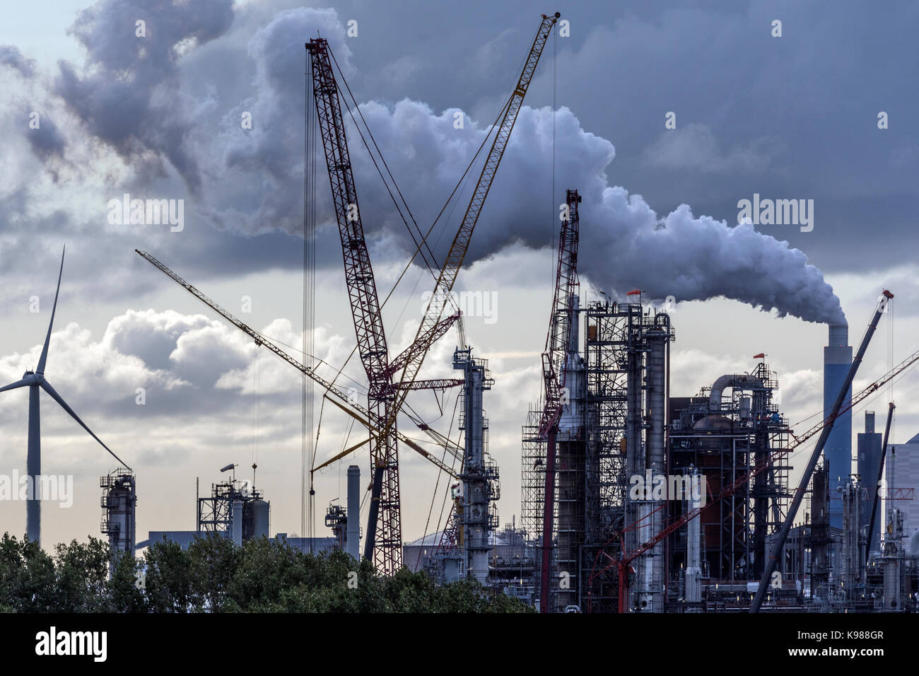 Industrial Pollution - an industrial skyline in Rotterdam - Netherlands - Stock Image