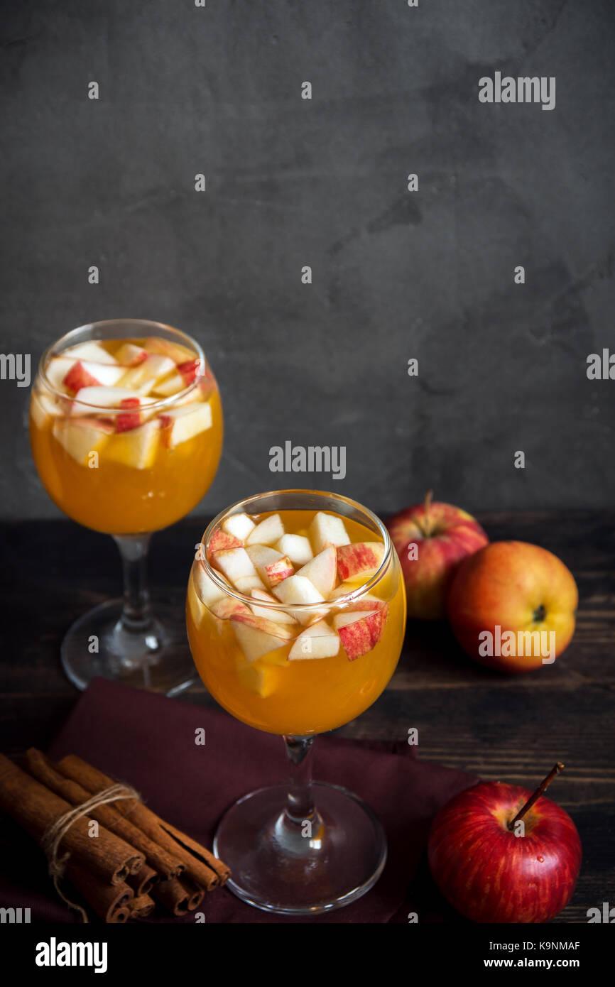 how to make homemade apple cider wine