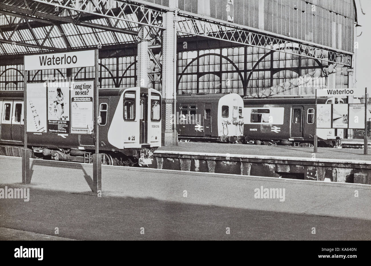 Trains at Waterloo station in 1980 - Stock Image