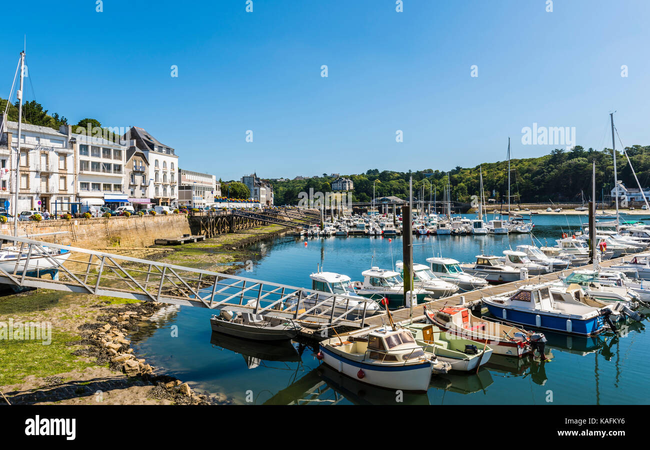 View of the port and bridge at Audierne, Brittany, France - Stock Image