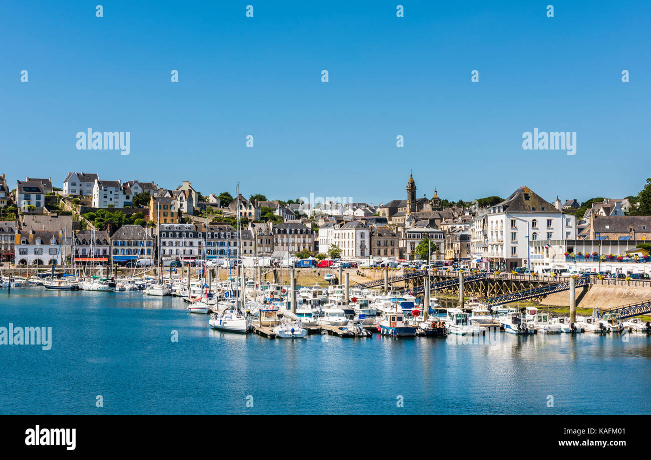 View of the port and church at Audierne, Brittany, France - Stock Image