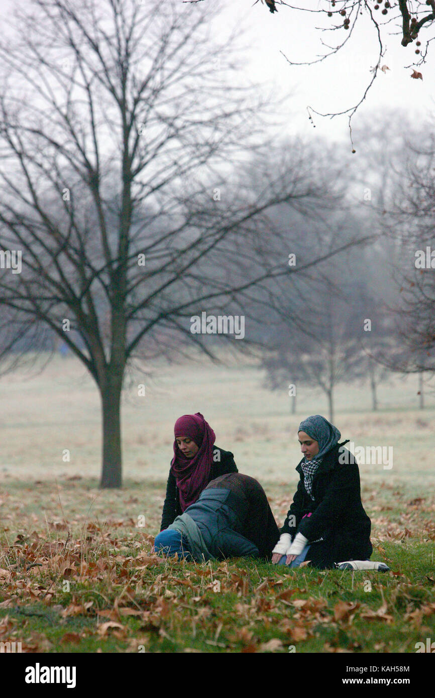 hyde park single muslim girls The 18-year-old from new hyde park on long island was charged with falsifying a an organization for muslim women and girls based in read more on newsweekcom.