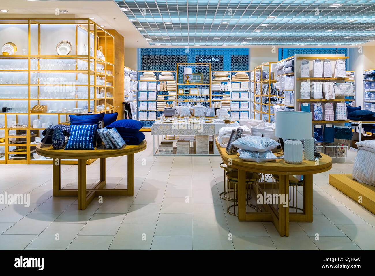 Zara Store Entrance Stock Photos Zara Store Entrance Stock Images Alamy