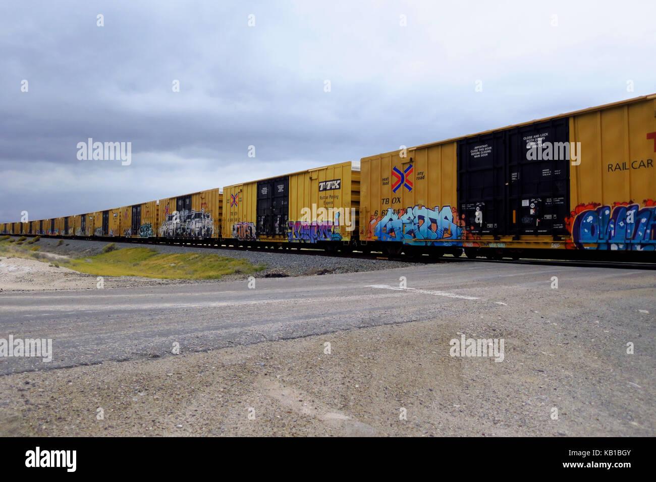 A Railroad Crossing Stock Photos Amp A Railroad Crossing