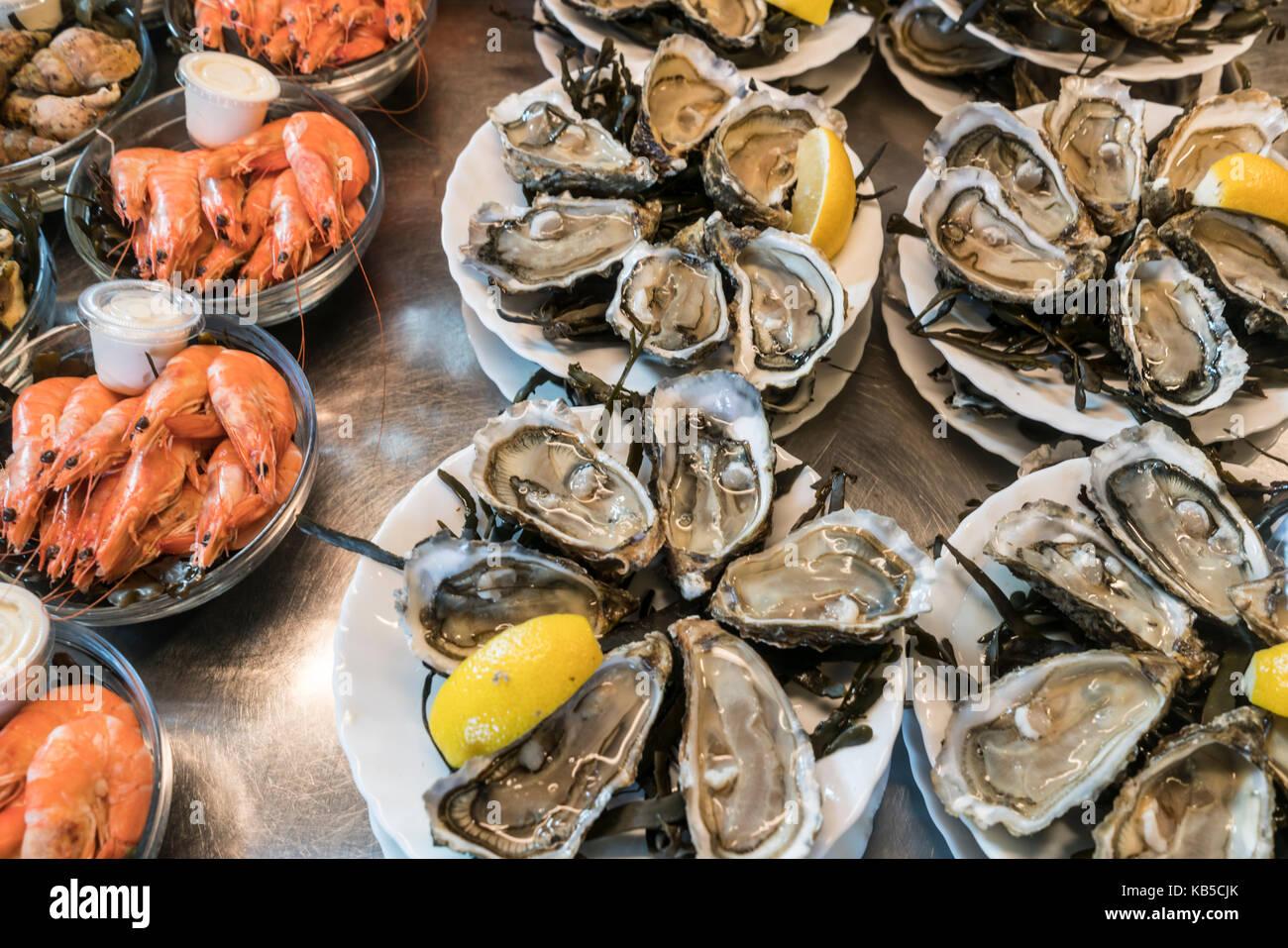 Oyster, shrimps, Marche de Capucins, Bordeaux, France - Stock Image