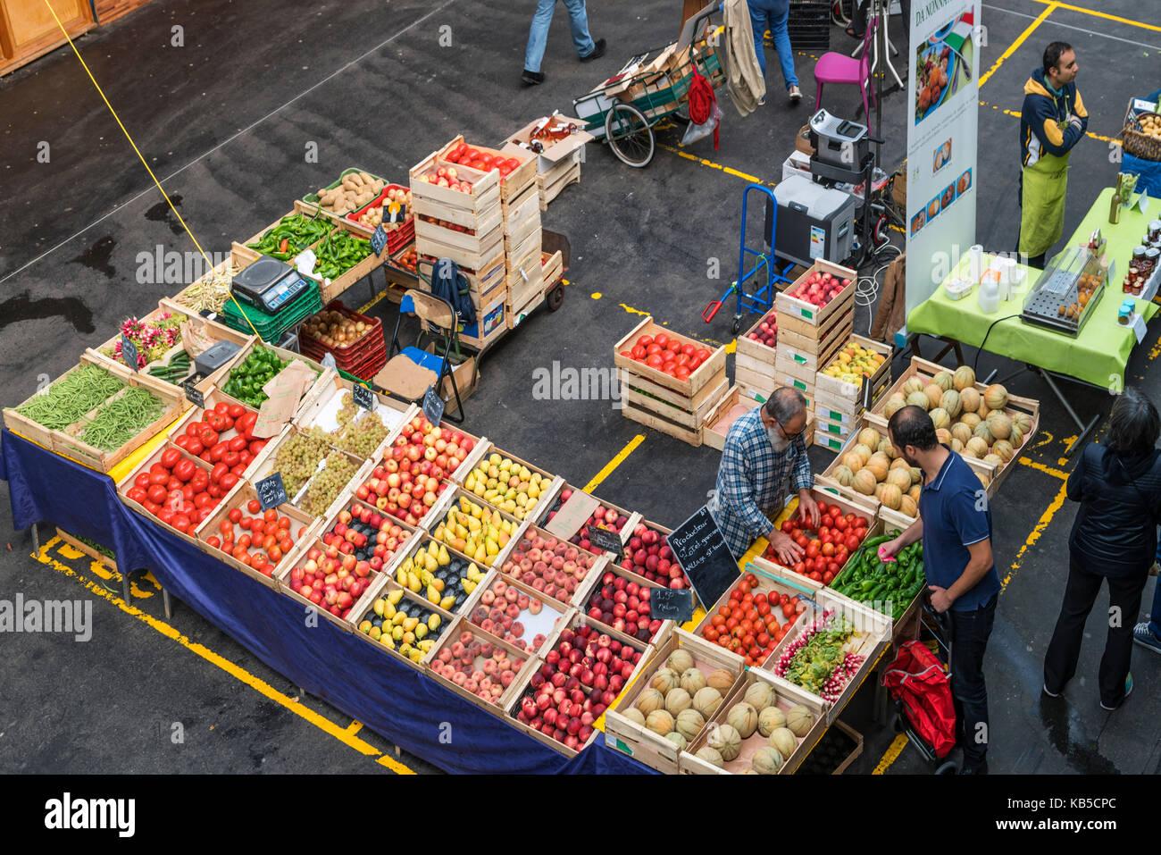 fruits and vegetables, Marche de Capucins, Bordeaux, France - Stock Image