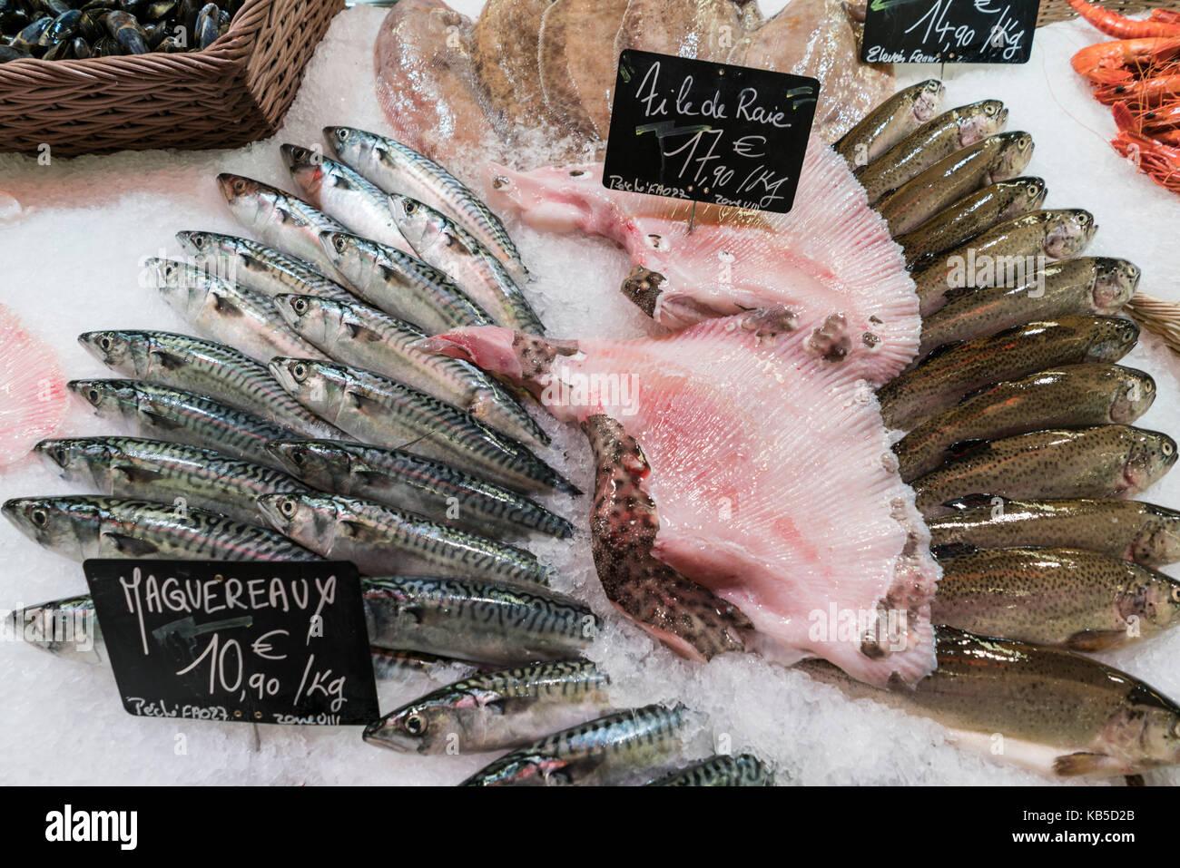 Fresh fish,  Marche de Capucins, Bordeaux, France - Stock Image