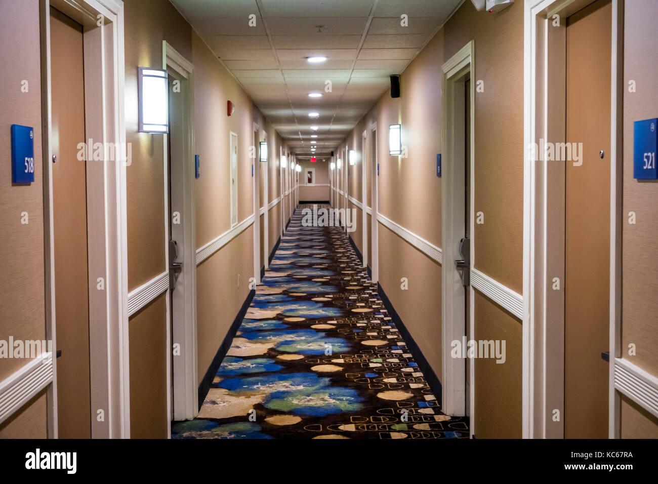 Silver Spring Maryland Holiday Inn Express hotel hallway hall room doors interior - Stock Image