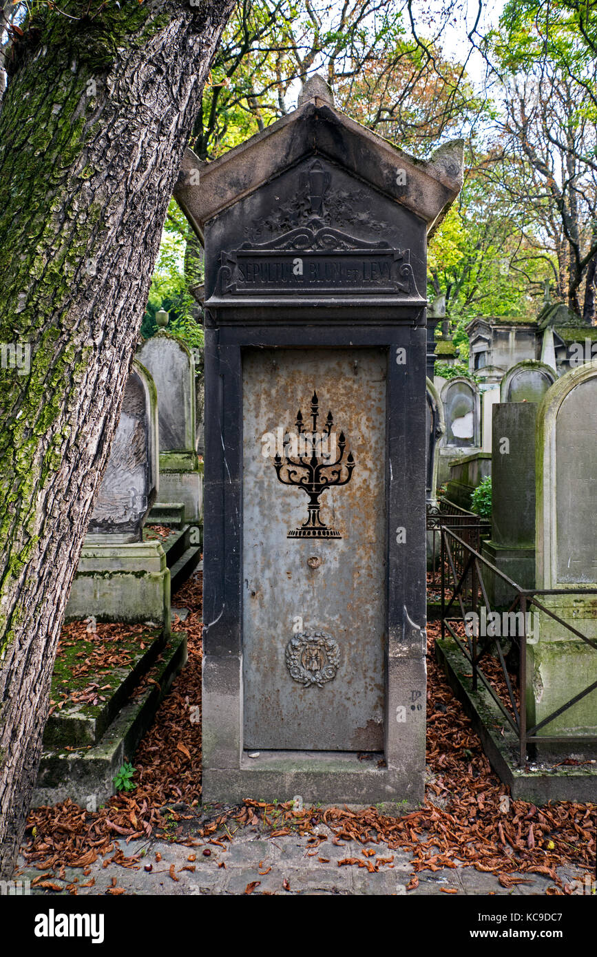 Cimetiere pere lachaise cemetery stock photos cimetiere - Cimetiere pere la chaise ...