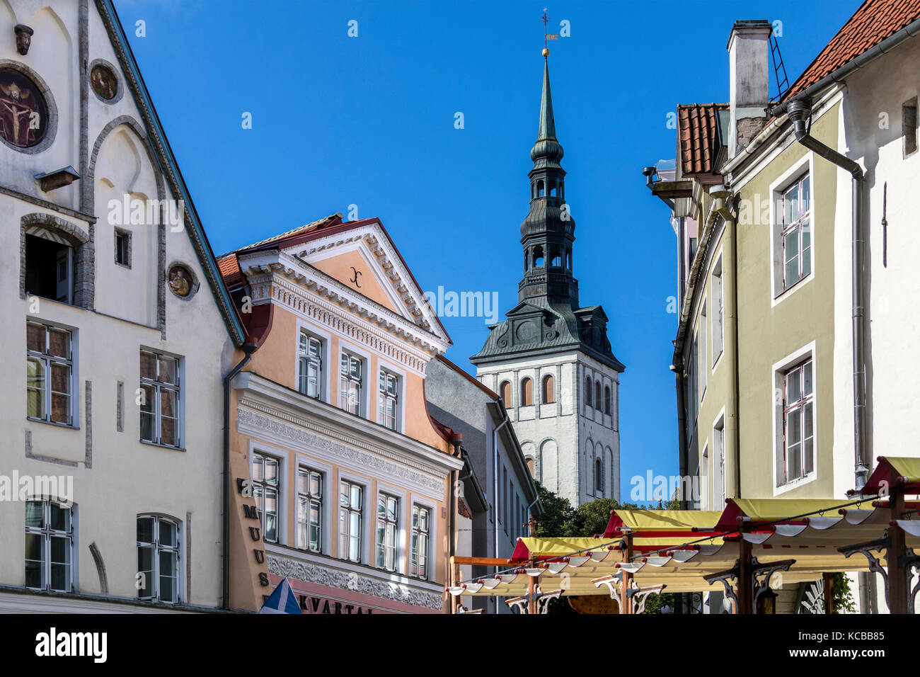 St. Nicholas Church (Niguliste Kirik) in the old town area of the city of Tallinn in Estonia. - Stock Image