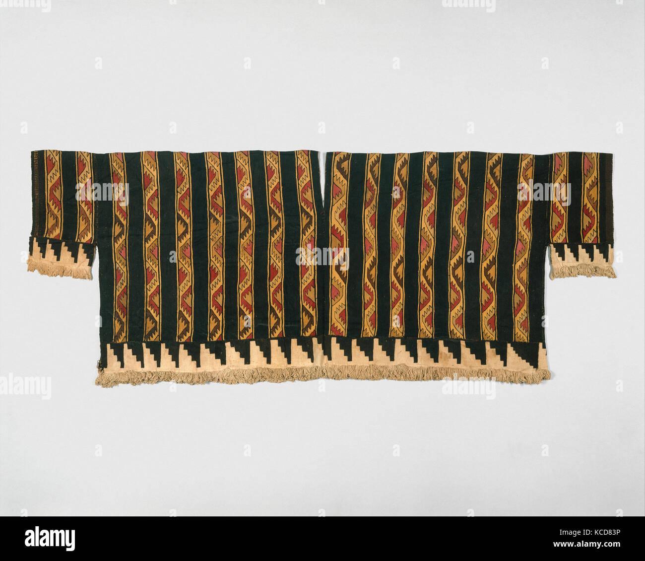 Tunic, 1460–1540, Peru, Peru; central coast (?), Camelid hair, cotton, H. 19 x. W. 47 in. ( 48.3 x 119.4cm), Textiles - Stock Image