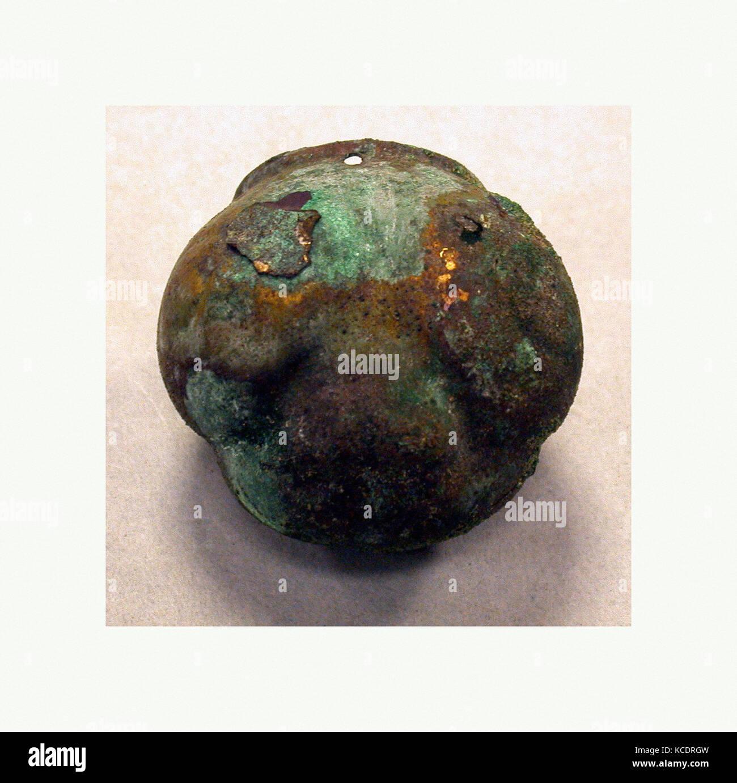 Head of a Frog, 390–450, Peru, Moche (Loma Negra), Gilded copper, H. 1 5/16 x W. 1 1/2 x D. 1 7/16 in. (3.4 x 3.8 - Stock Image