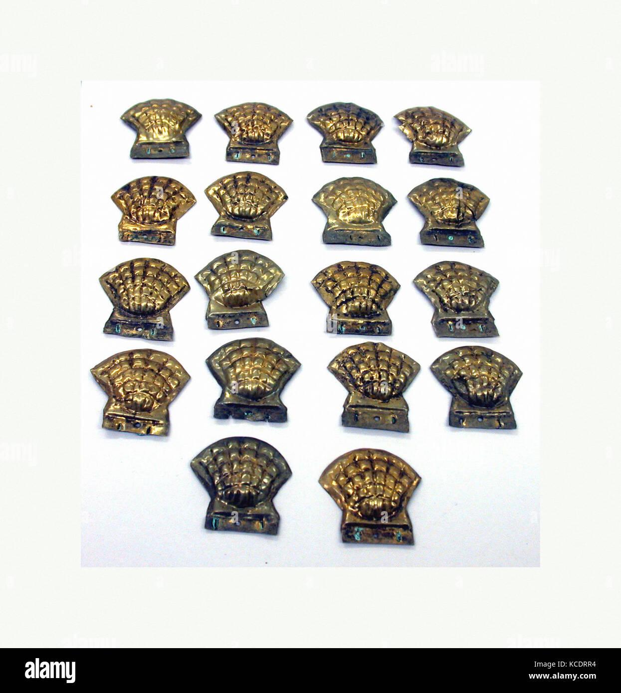 Cockle Shell Ornament, 390–450, Peru, Moche (Loma Negra), Gilded copper, Height 1-7/16 in. (3.7 cm), Metal-Ornaments - Stock Image