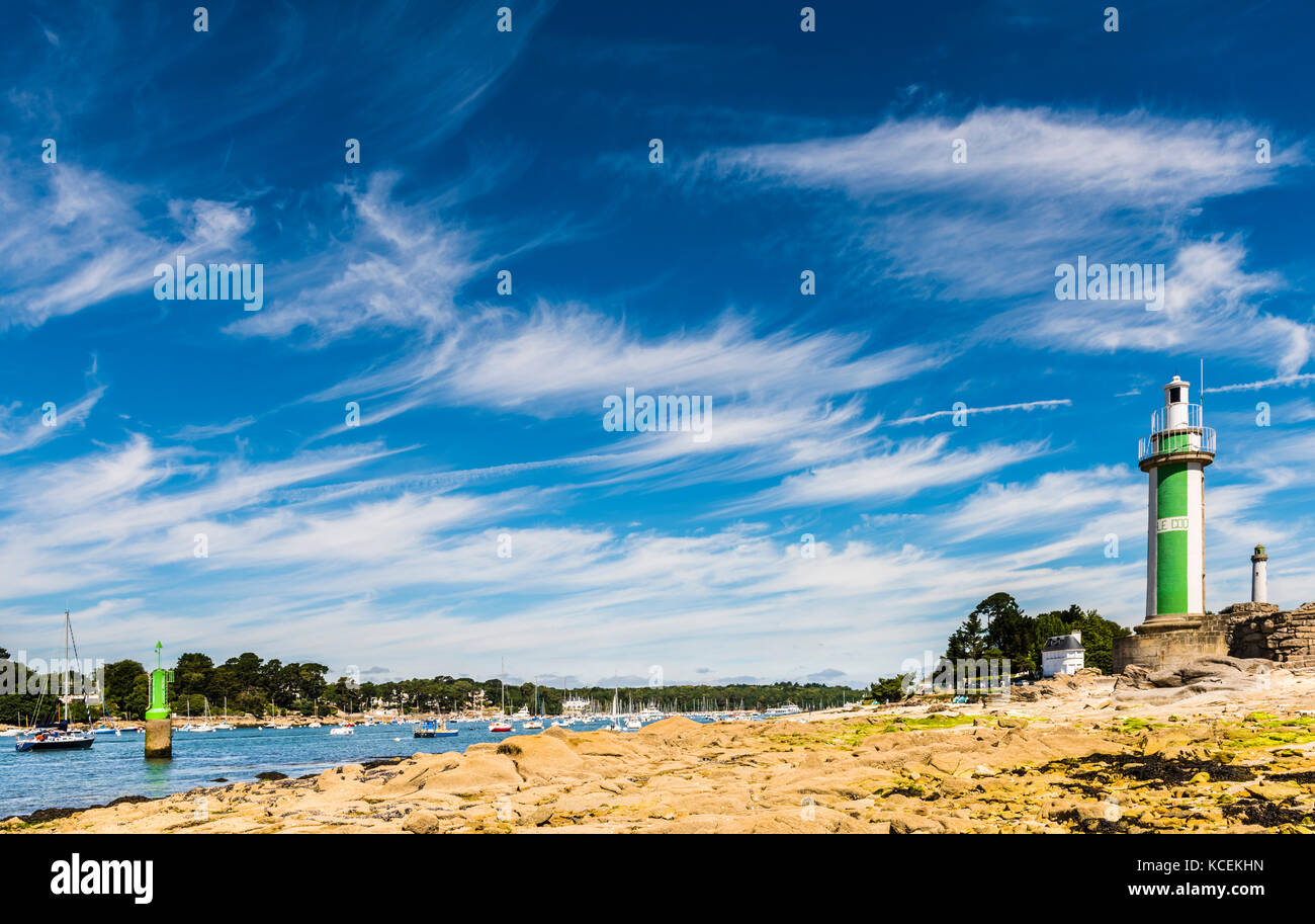 Lighthouse and river at Benodet, Brittany, France - Stock Image