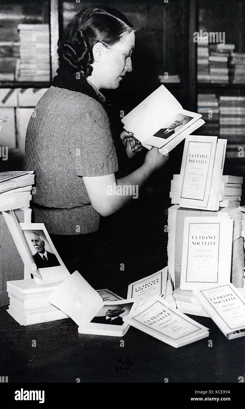 Photograph of a bookshop selling copies of 'La France nouvelle', by Marshall Phillipe Pétain. 'New - Stock Image