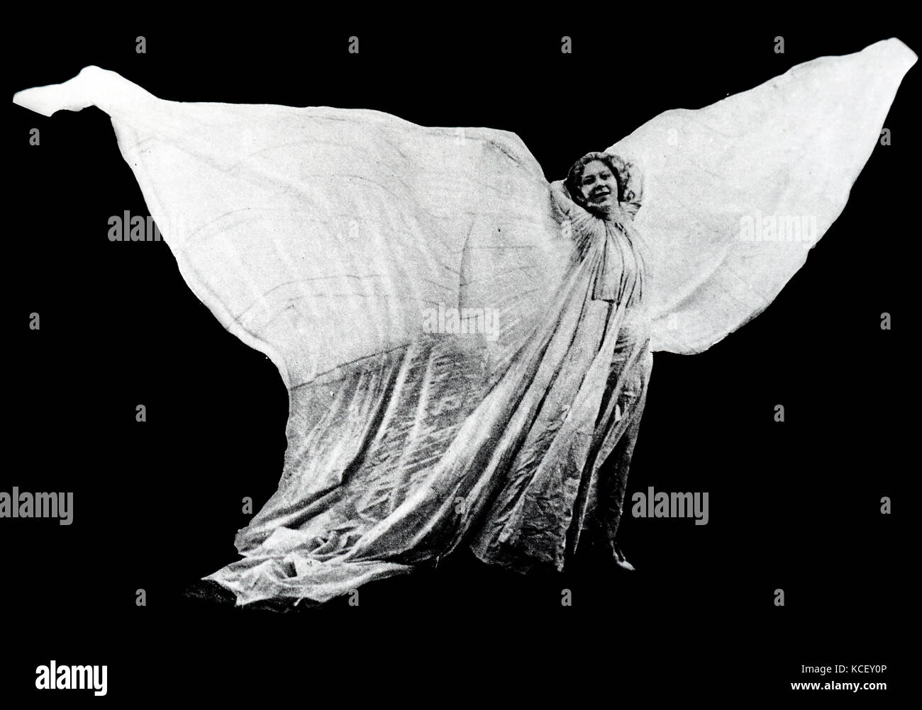 Photograph of Loie Fuller (1862-1928) an American dancer. Dated 20th Century - Stock Image