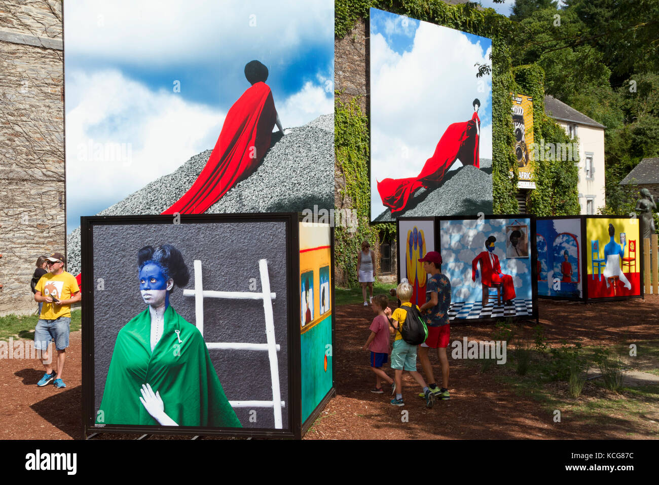 Outdoor photography exposition stock photos outdoor photography exposition stock images alamy - Festival photo la gacilly ...