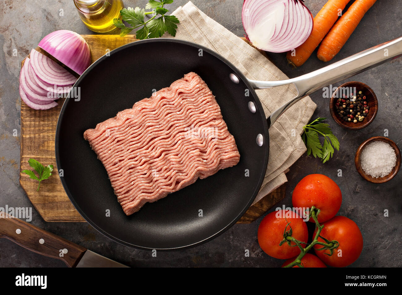 Cooking with ground turkey - Stock Image