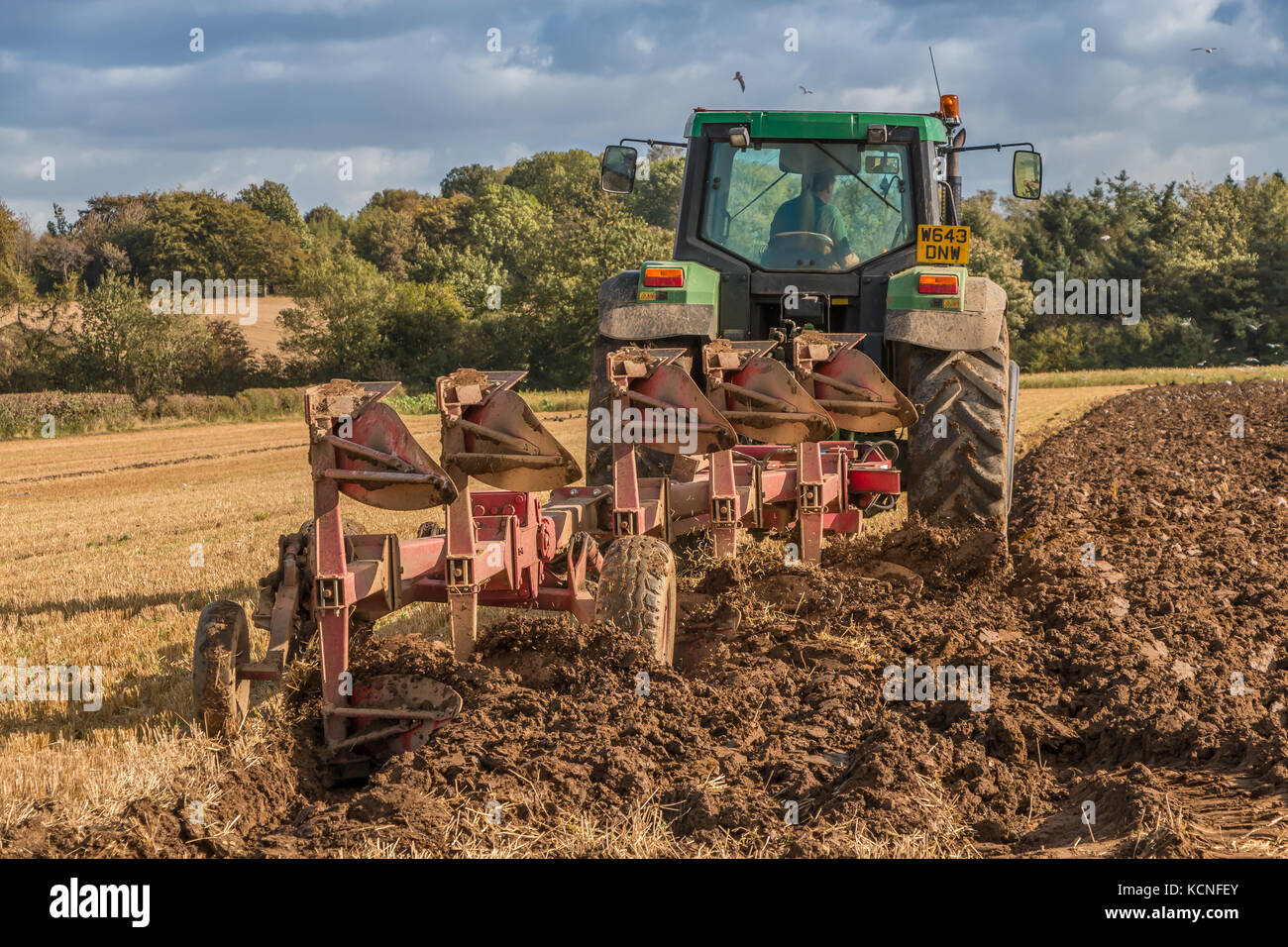 Uk Farming A John Deere Tractor And Naud Ap Wagon Plough Kcnfey