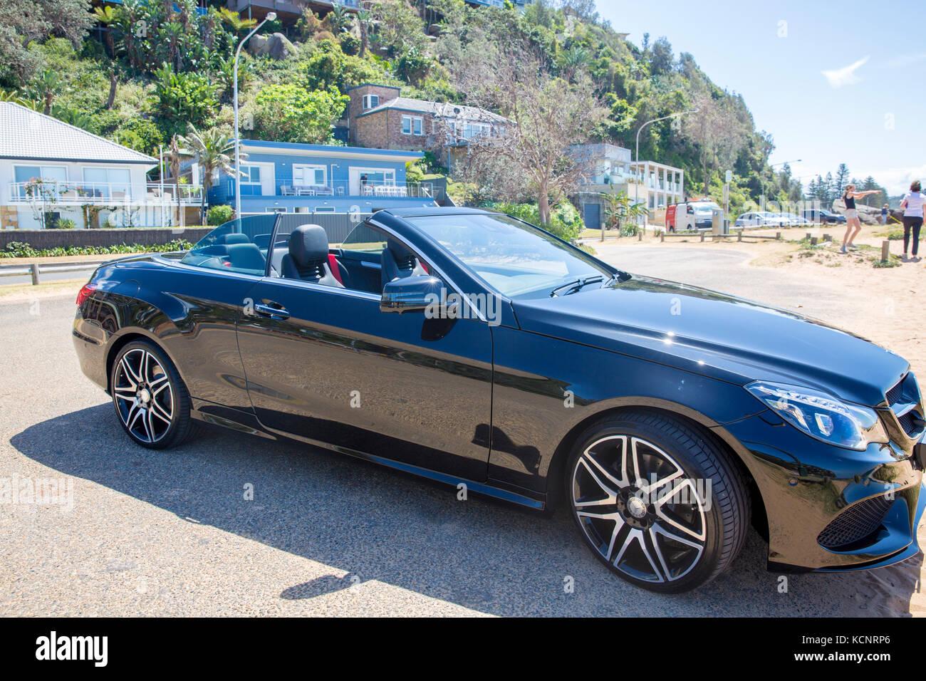 Black cabriolet mercedes benz e class 250 cabriolet with for Mercedes benz e class 250