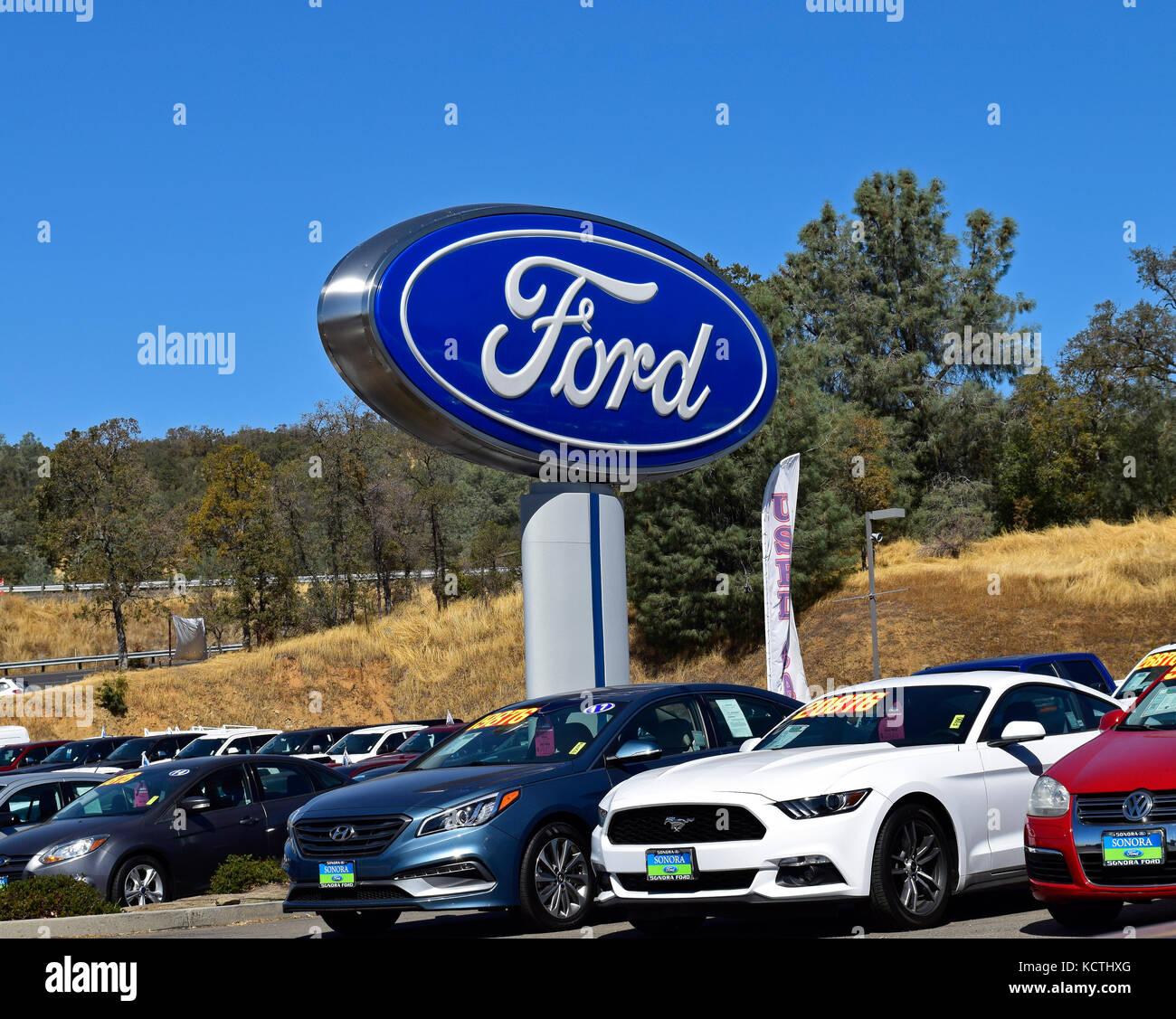 Car Lot Dealer Stock Photos & Car Lot Dealer Stock Images