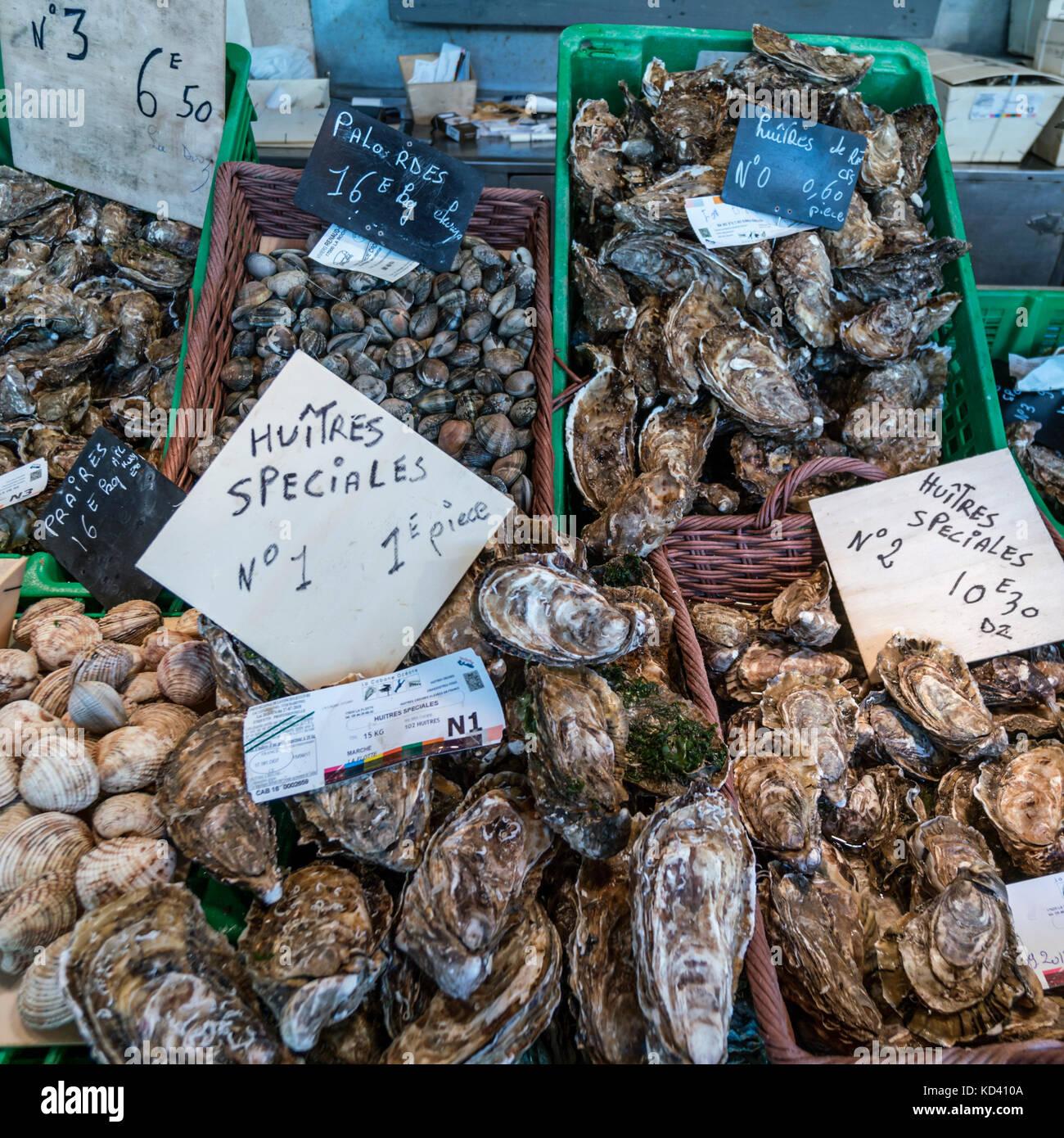fish market, fruits de Mer, ostery, Huitres, Ile de Re, Nouvelle-Aquitaine, french westcoast, france, - Stock Image