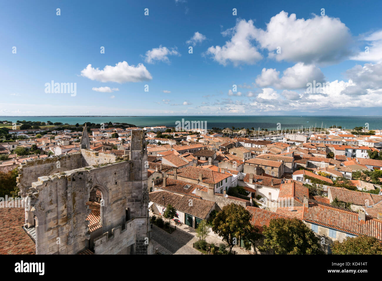 Saint Martin church, Ile de Re, Nouvelle-Aquitaine, french westcoast, france, | Saint Martin Kirche, Panoramablick, - Stock Image