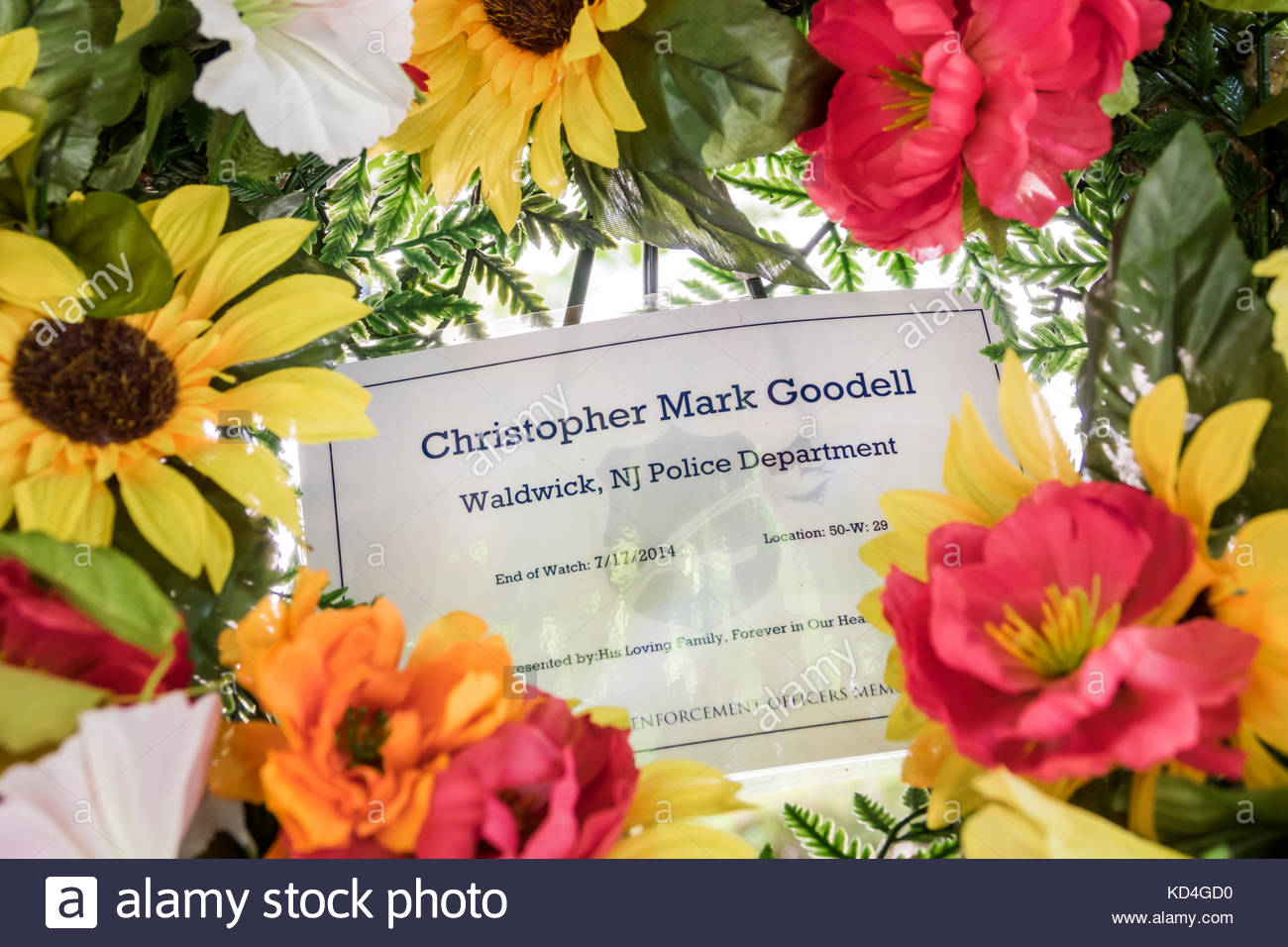 Washington DC District of Columbia National Law Enforcement Officers Memorial wreath flowers Waldwick New Jersey - Stock Image