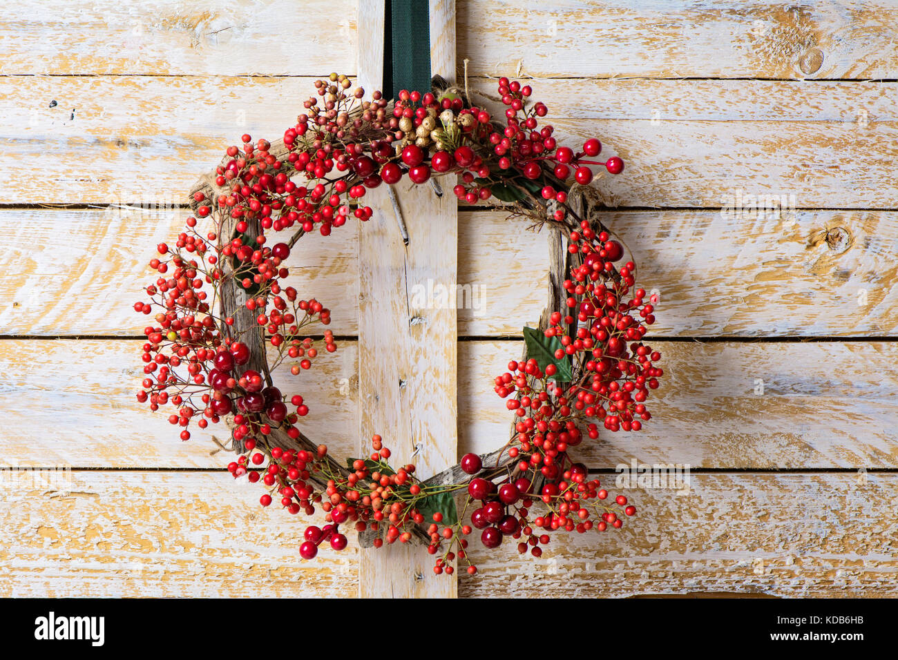 Advent Wreath Wallpaper >> Christmas Wreath Rustic Wood Background Stock Photos & Christmas Wreath Rustic Wood Background ...