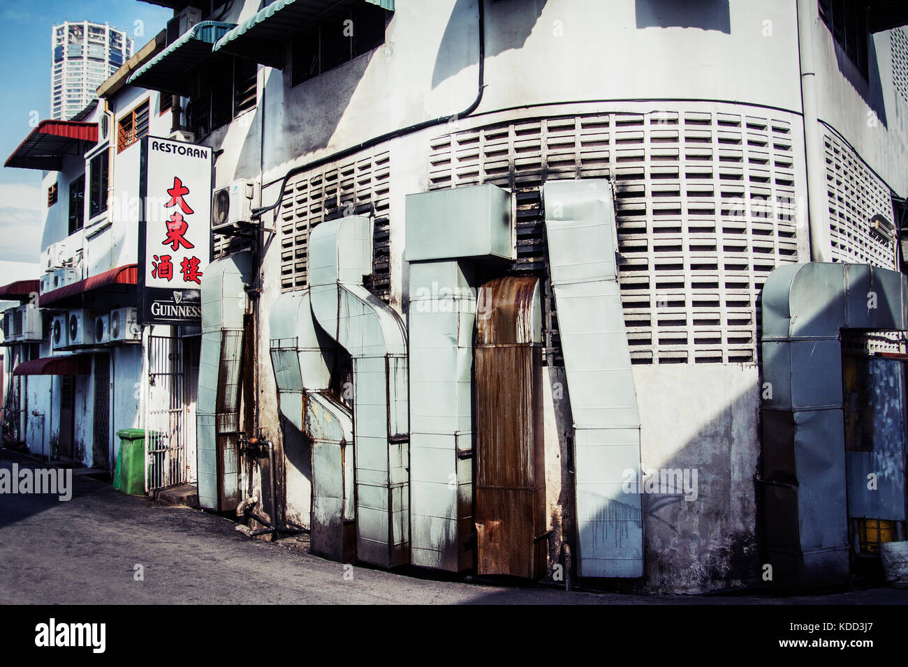Extractor Units Stock Photos amp Extractor Units Stock  : gritty back streets at a chinese restaurant in chinatown on penang KDD3J7 from www.alamy.com size 1300 x 956 jpeg 241kB