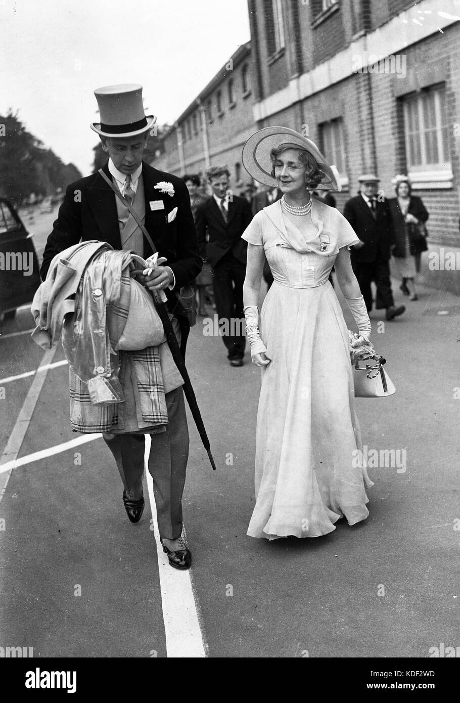Lady Anne Dalrymple-Champneys arriving at Royal Ascot races 1946 - Stock Image