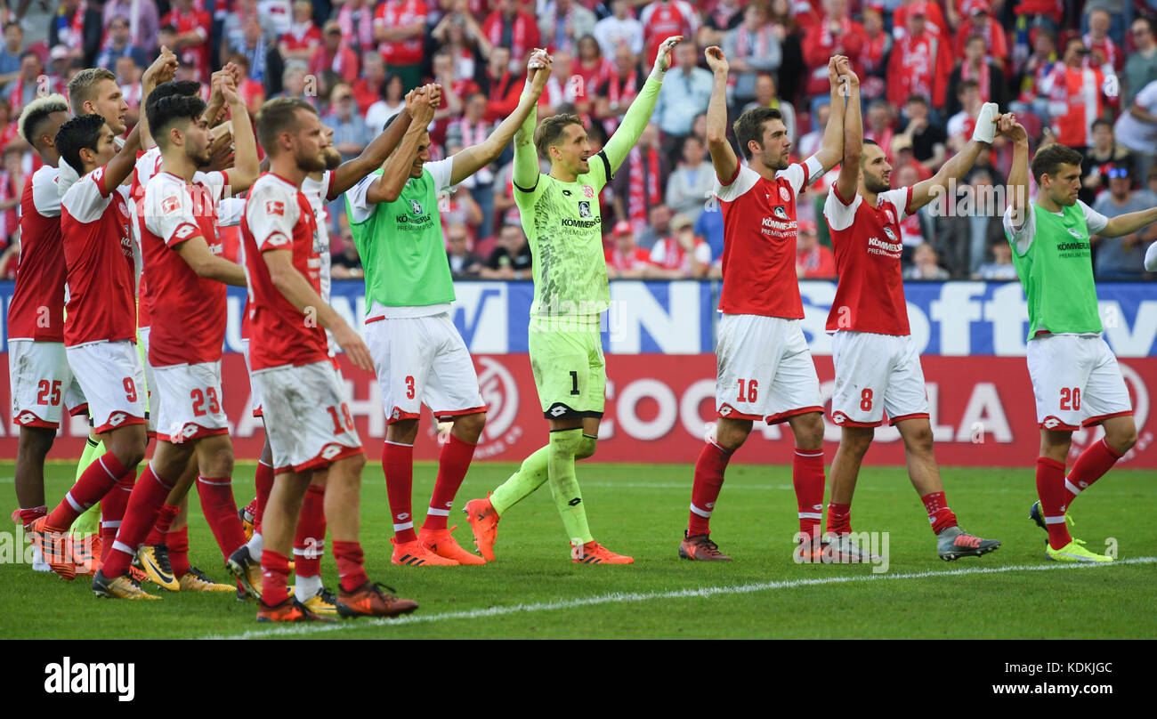 mainz germany 14th oct 2017 mainz 39 s players celebrating their 3 2 stock photo royalty free. Black Bedroom Furniture Sets. Home Design Ideas
