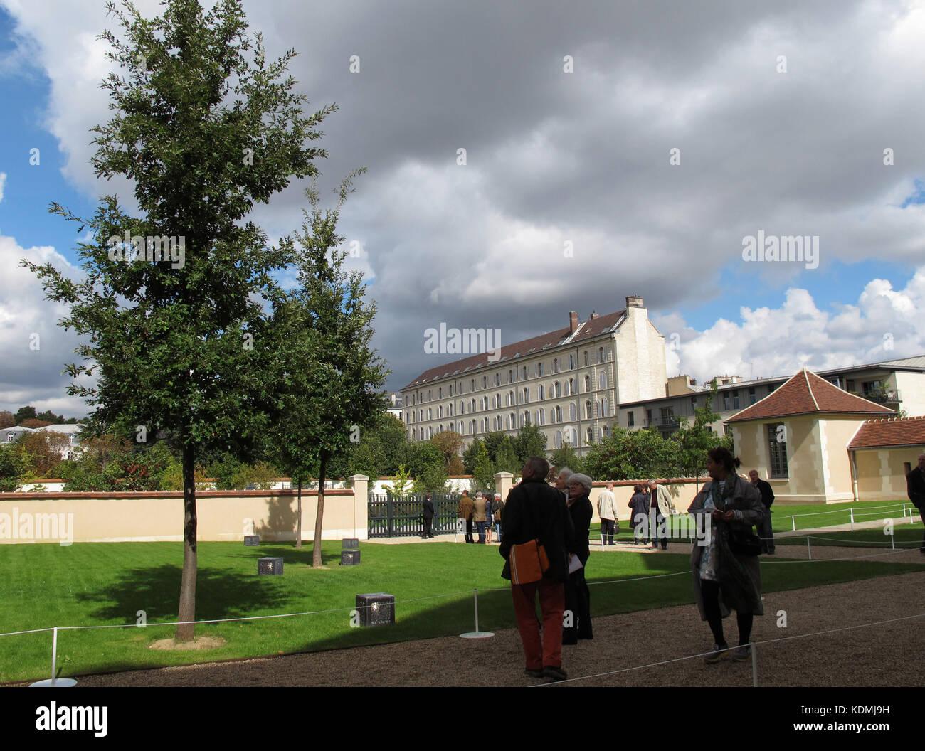 Chevet stock photos chevet stock images alamy - Jardin d hiver henri salvador clermont ferrand ...
