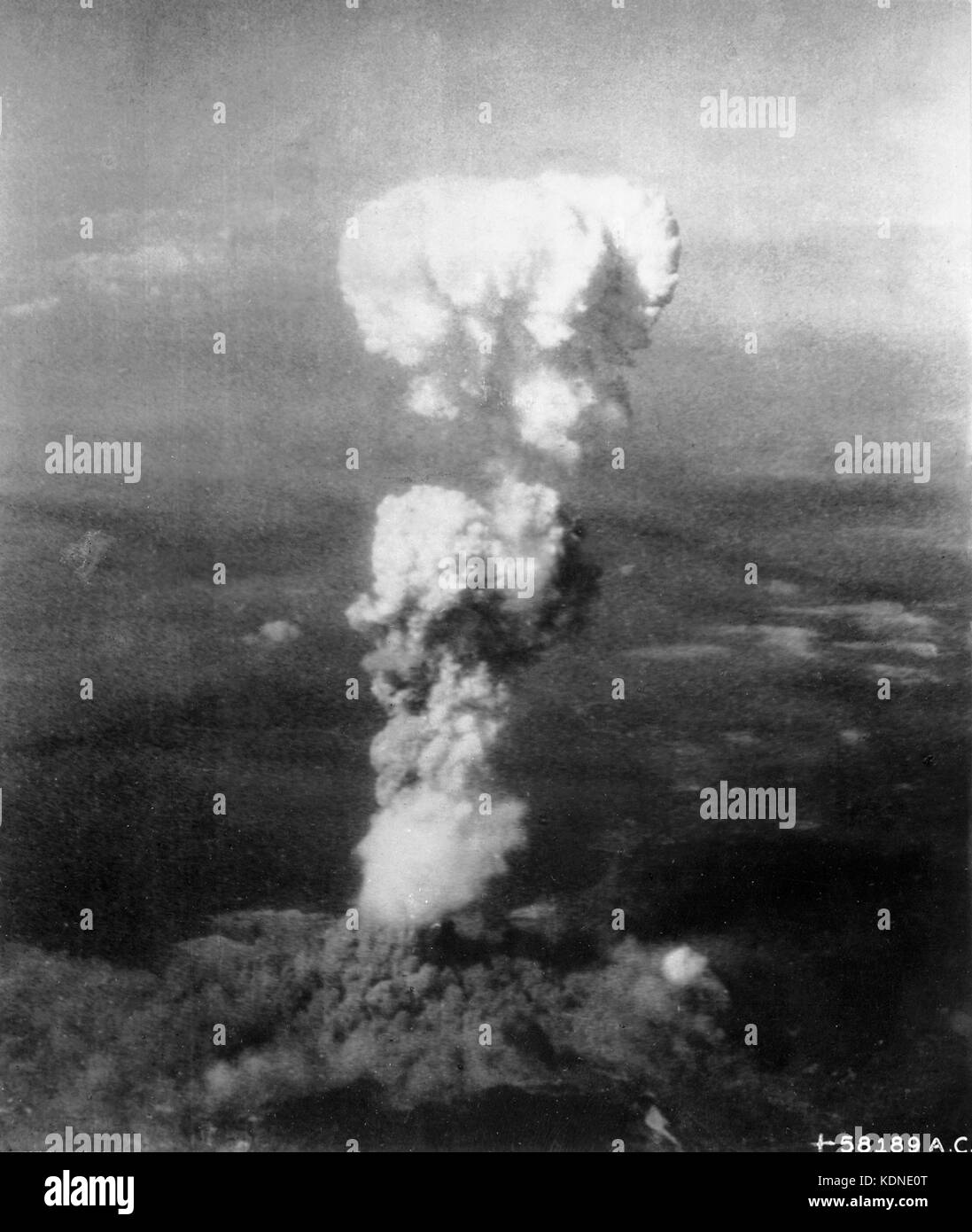 HIROSHIMA  The nuclear bomb Little Boy explodes over Hiroshima at 8.156 am on 6 August 1945. Photo: USAAF - Stock Image