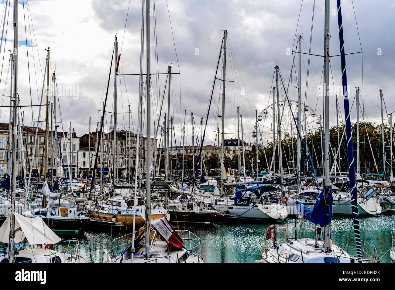 Kai la stock photos kai la stock images alamy - Parking du vieux port la rochelle ...