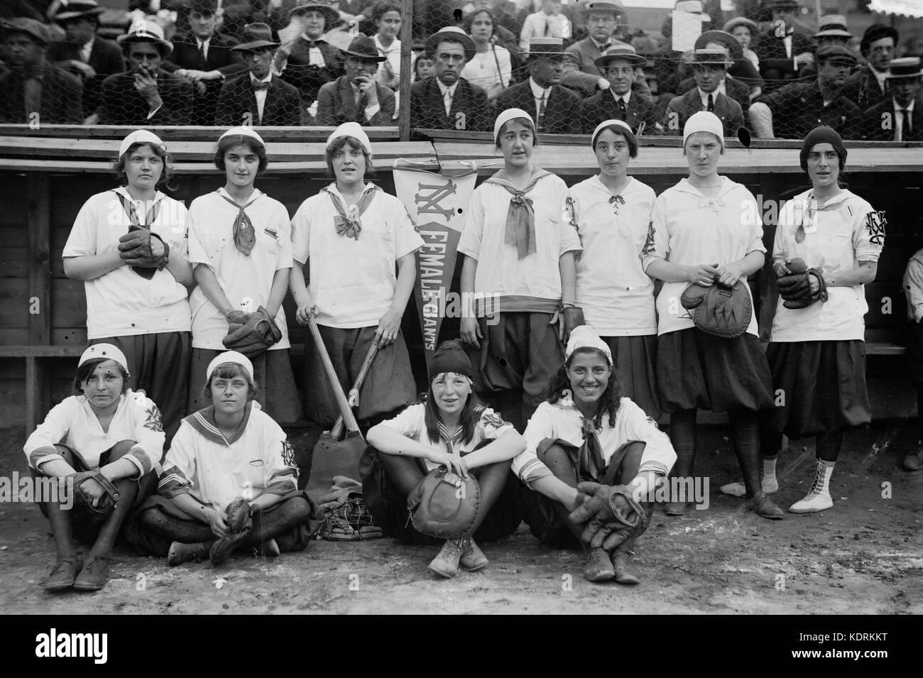 New York Female Giants baseball, 1913 - Stock Image