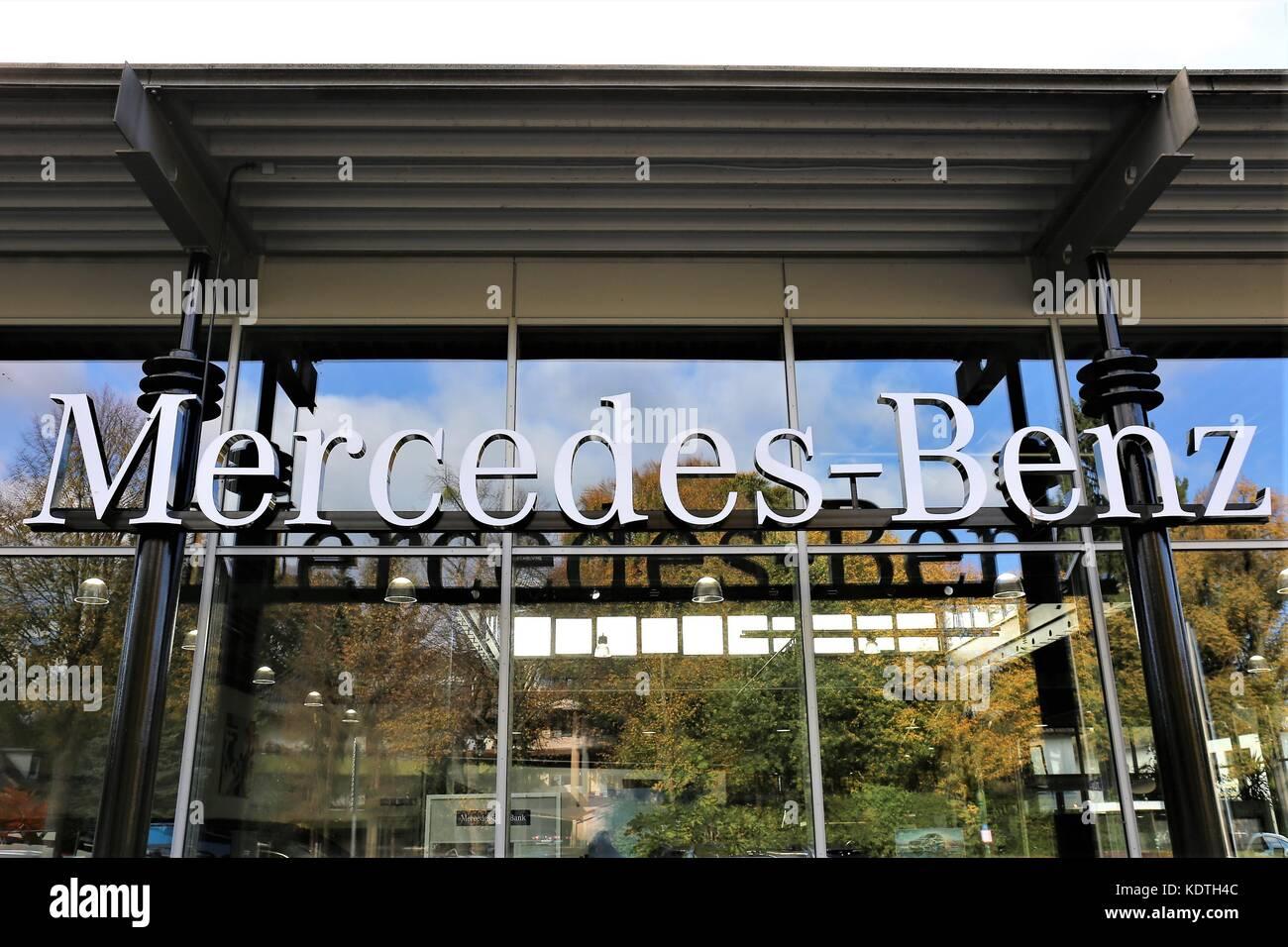 mercedes benz car dealership sign stock photos mercedes. Black Bedroom Furniture Sets. Home Design Ideas