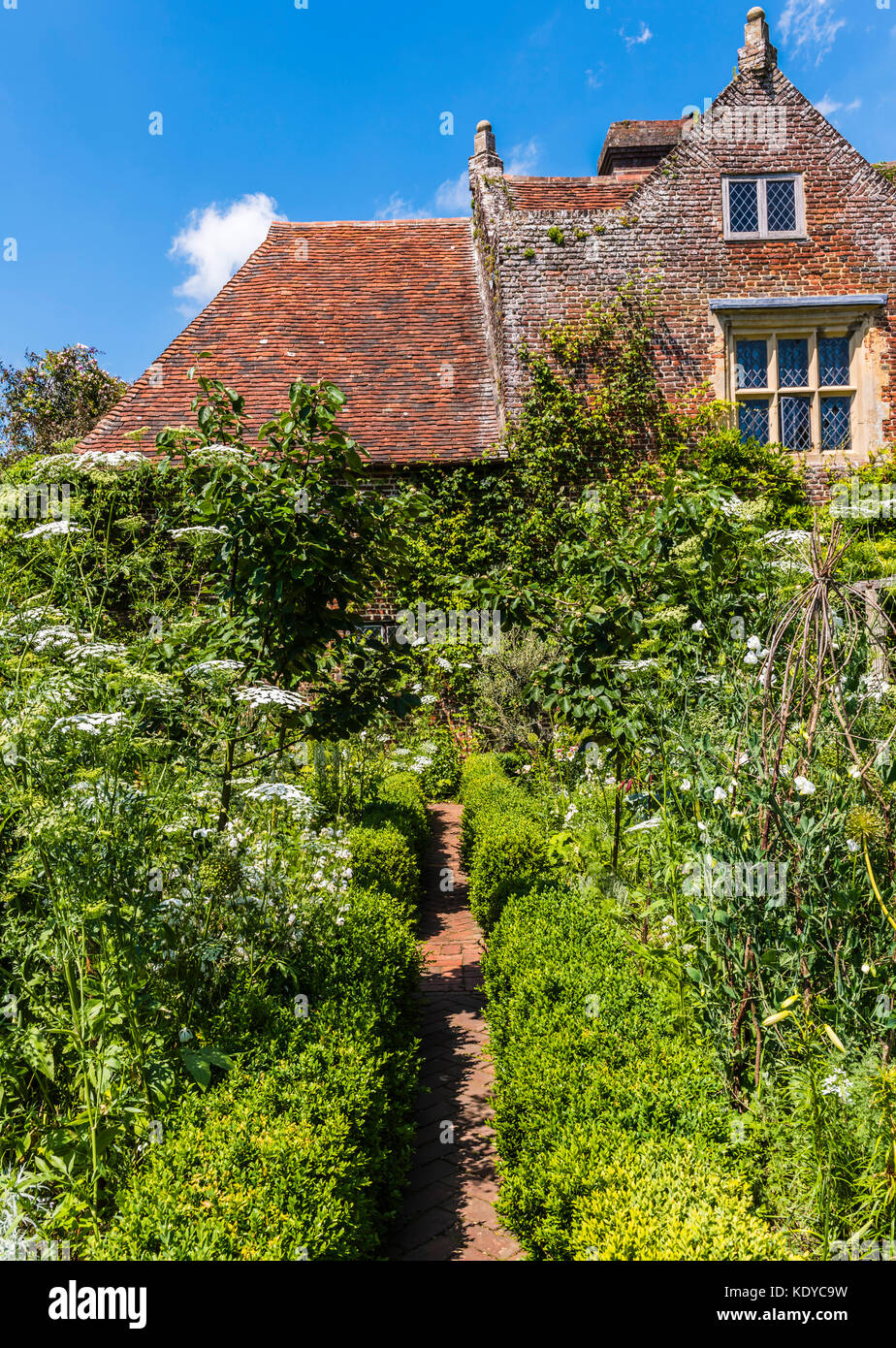 Cottage and garden at Sissinghurst Gardens, Kent, UK - Stock Image