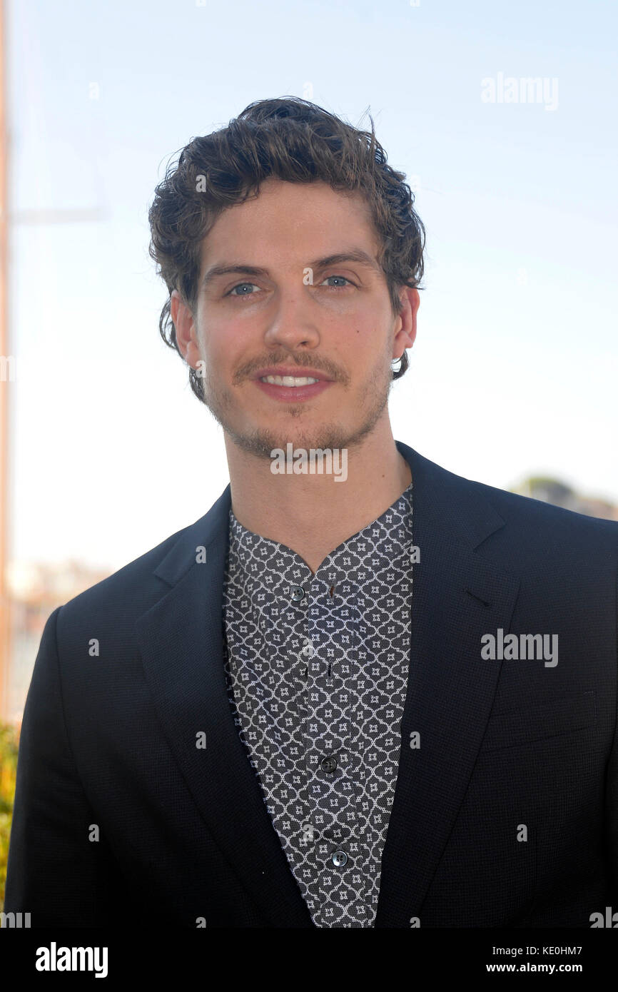 Cannes, France. 16th Oct, 2017. The actor Daniel Sharman ...