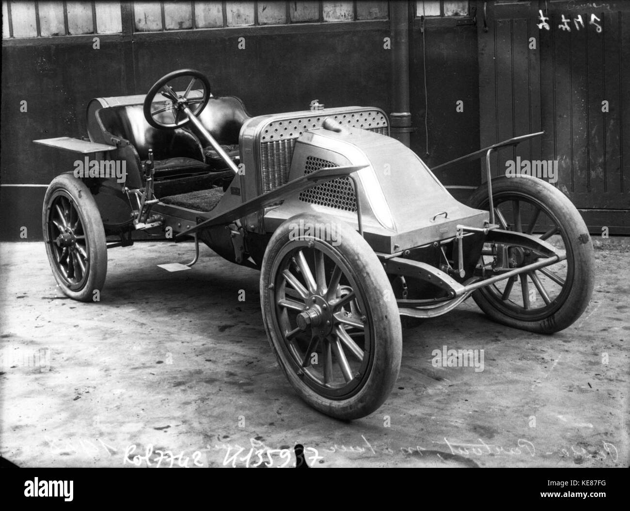 passe partout de dion at the 1908 grand prix des voiturettes at stock photo royalty free image. Black Bedroom Furniture Sets. Home Design Ideas