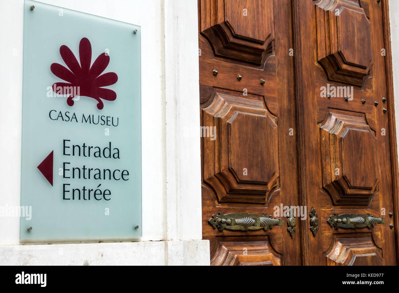 Lisbon Portugal Casa Museu Medeiros e Almeida museum historic mansion entrance sign door French English Spanish - Stock Image