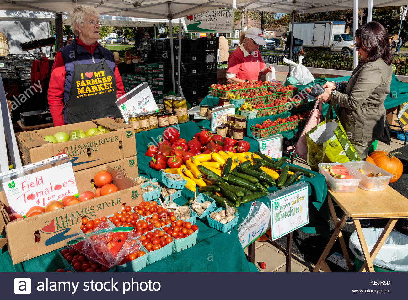 farmers-market-local-farmers-selling-loc