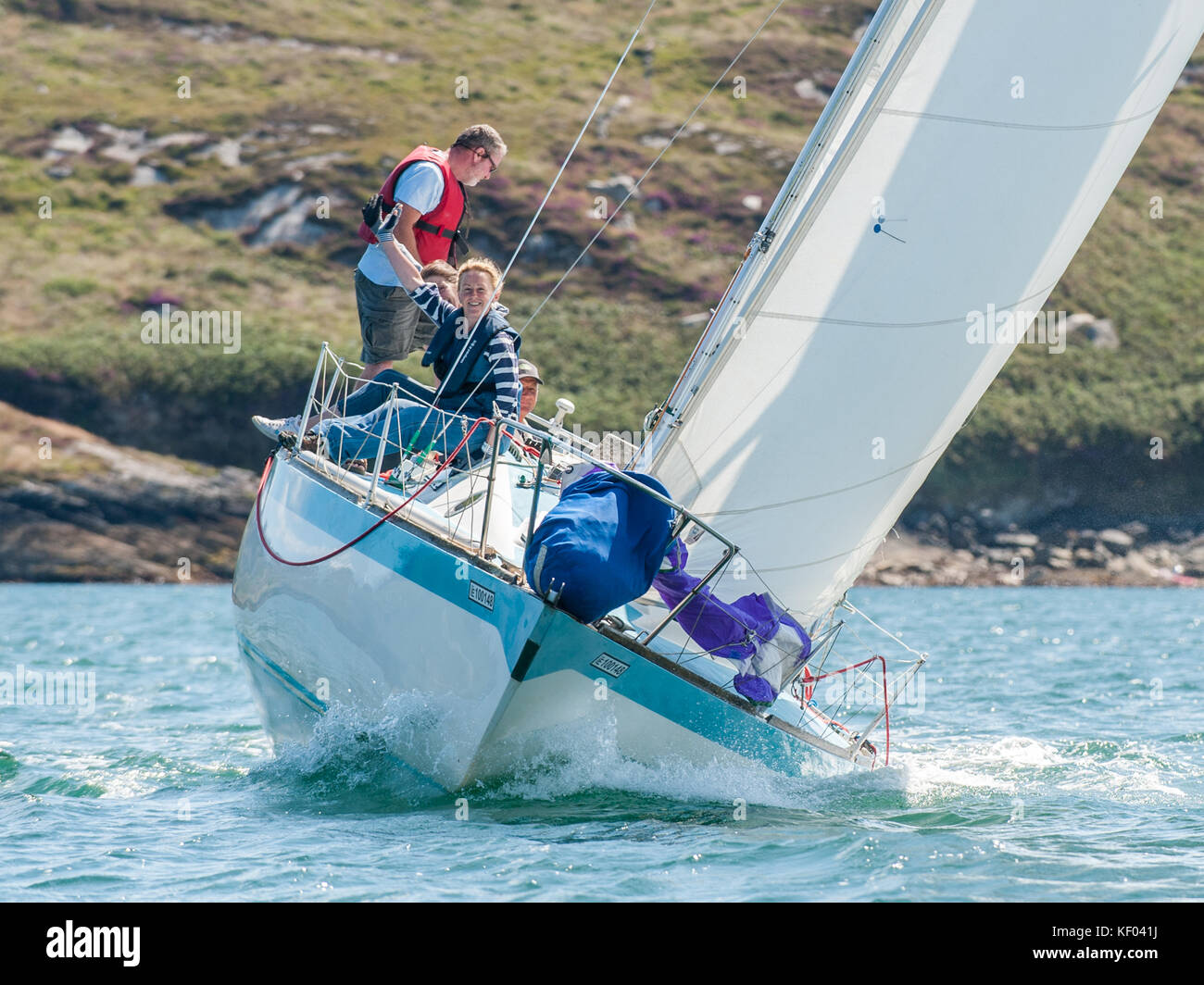 sailing-yacht-witchcraft-racing-during-t